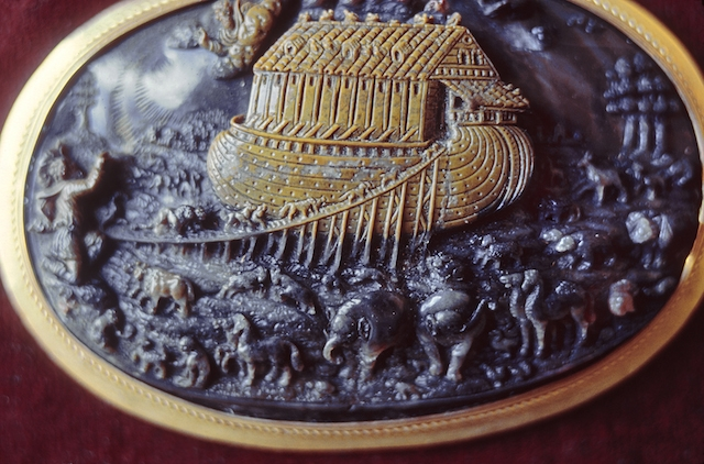 Allessandro Masnago (?) (Italian, ca. 1575-1612). 'Cameo with Noah's Ark,' ca. 1600. carved sardonyx, gold. Walters Art Museum (42.1447): Museum purchase, 1963.