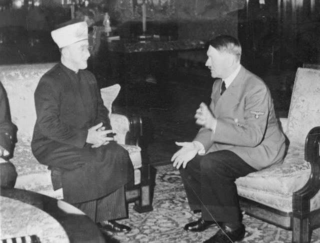 Sayid Amin al-Husseini, the grand mufti of Jerusalem, meets with Adolf Hitler in 1941. (German Federal Archives)