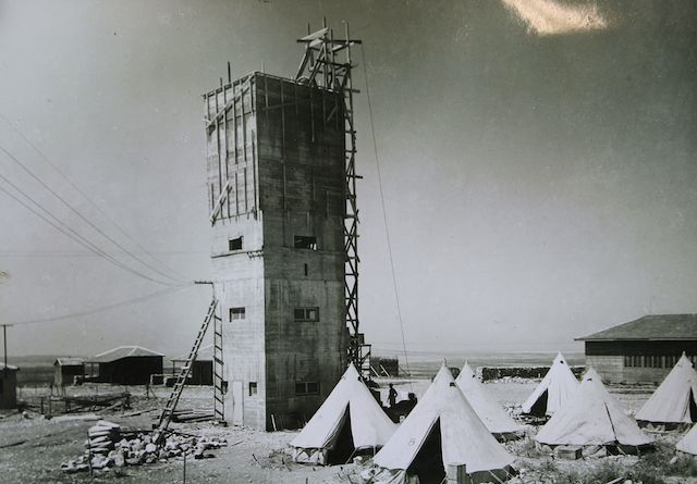 A tower and stockade at Kibbutz Ein HaShofet in northern Israel in 1938. (National Library of Israel/Wikimedia Commons)