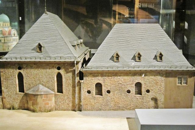 A replica of Rashi's chapel in Worms, displayed at Israel's Museum of the Jewish People. (Wikimedia Commons)