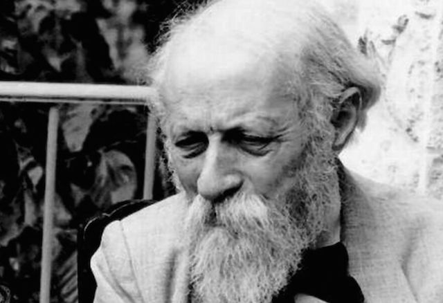 martin buber dialogue essay Why did levinas consider buber's philosophy insufficient as a theory why did levinas consider buber's philosophy 1 how and why did levinas consider buber.