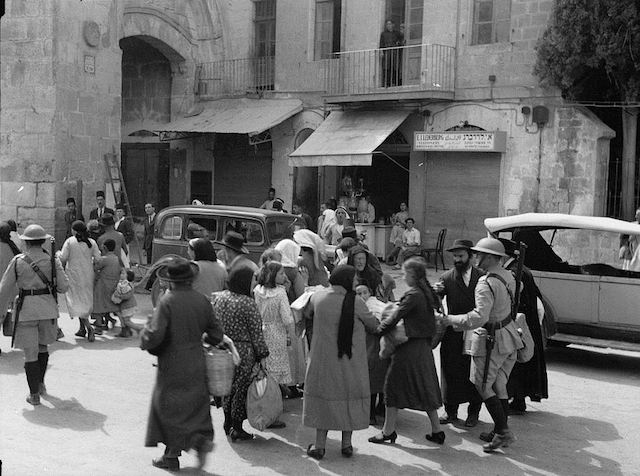 Jews evacuate the Old City of Jerusalem in 1936 after Arab riots there. (Wikimedia Commons)