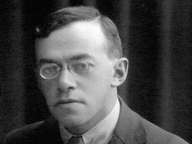 Jabotinsky,_wife_and_son