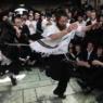 meron dancing