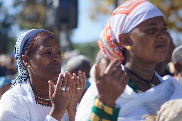 Ethiopian Jewish women pray during a Sigd celebration in Jerusalem in 2014. (Wikimedia Commons)