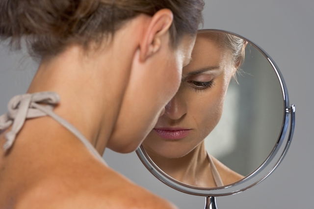 mirror woman beauty body image