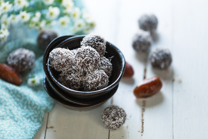 Dates and coconut energy balls