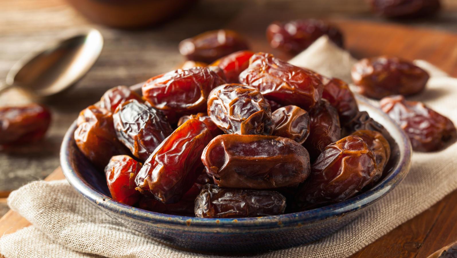 medjool dates charoset sephardic moroccan passover seder
