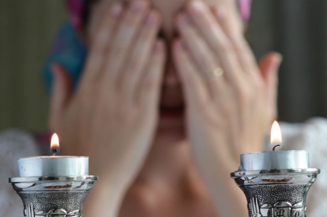shabbat candles & How to Light Shabbat Candles | My Jewish Learning azcodes.com