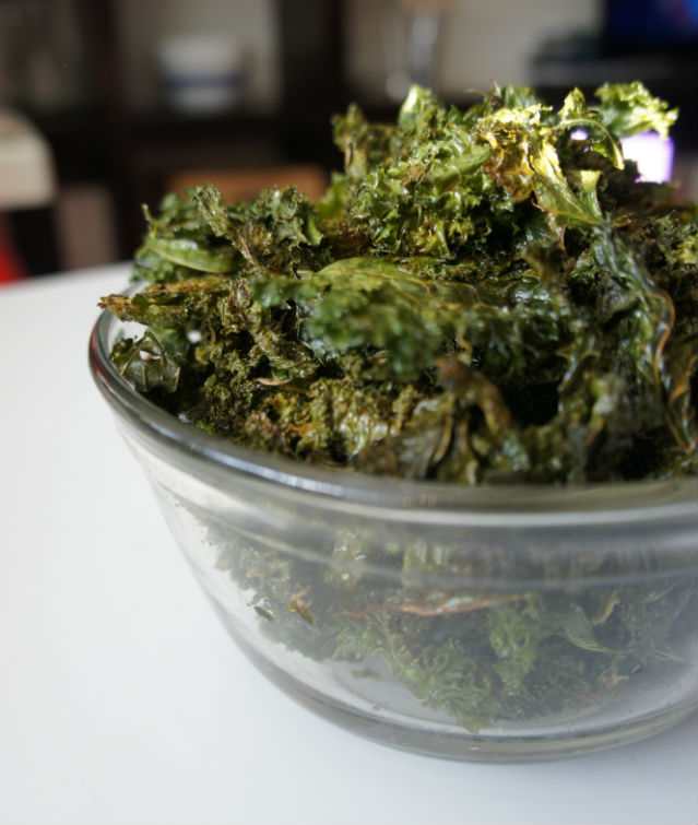 kale chips vertical