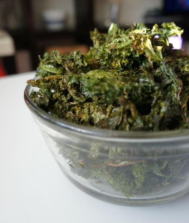 kale chips vertical