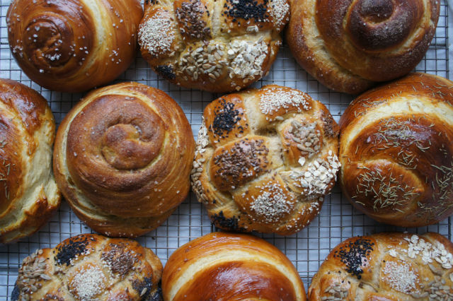 honey whole wheat challah main