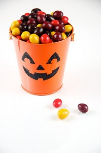 Chocolate_Candies_in_Pumpkin_Pail_(5076897960)