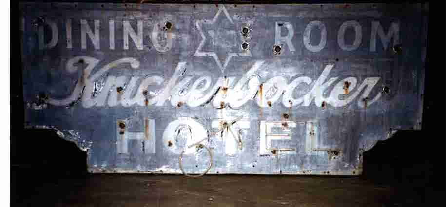Knickerbocker sign1