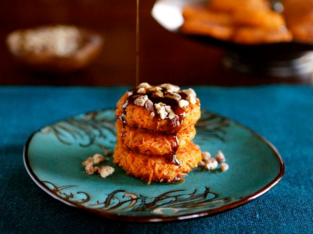 Sweet-Potato-Latkes-with-Brown-Sugar-Syrup-640x480