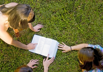 girls reading bible