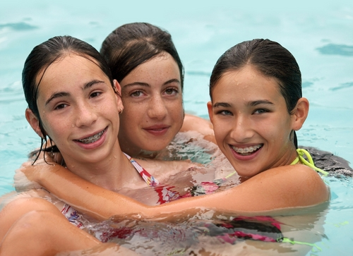 pool single jewish girls Orthodox jewish women believe that swimming with men violates their faith so, for decades, the pool has adjusted its operating hours to accommodate such beliefs, allowing women time to swim.