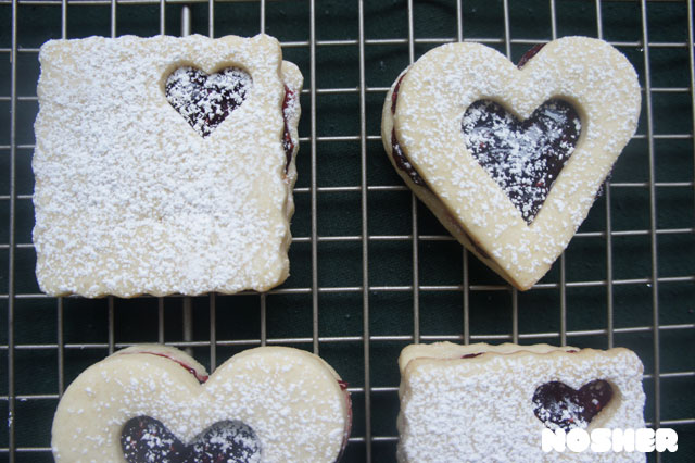 linzer-cookies2-stamp
