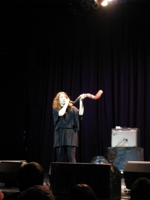 regina spektor blows a shofar