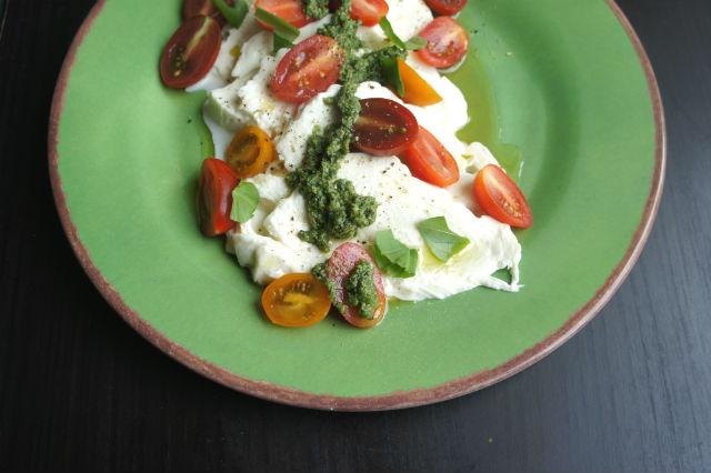 mozzarella w garlic scape spinach pesto