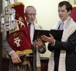 Rabbi Jeremy Simons with 76-year-old Bar Mitzvah Steve Koppman in Vicksburg, MS