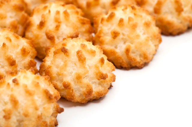 Why Do We Eat Coconut Macaroons on Passover? | The Nosher