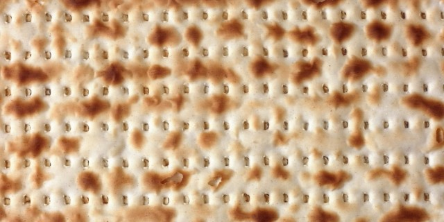 Matzo cracker