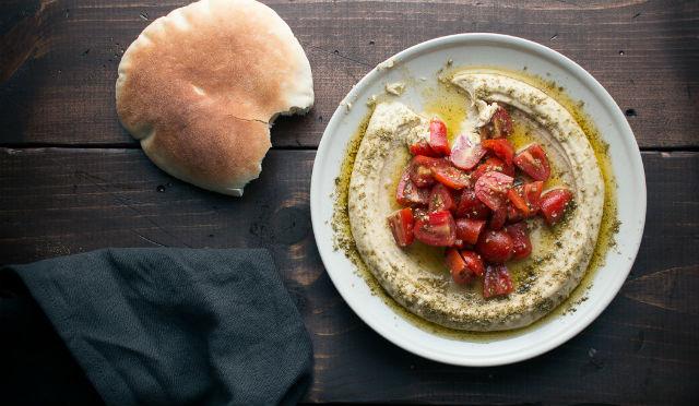tomato hummus
