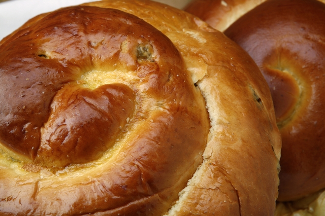 round challah bread