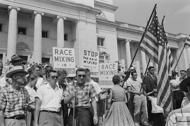 Little_Rock_integration_protest segregationists