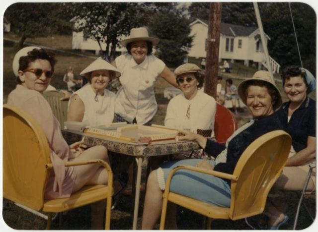 Women playing mah-jongg in the Catskills. (Courtesy of Museum of Jewish Heritage)