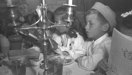 Passover Four Questions Haggadah seder children Israel historic