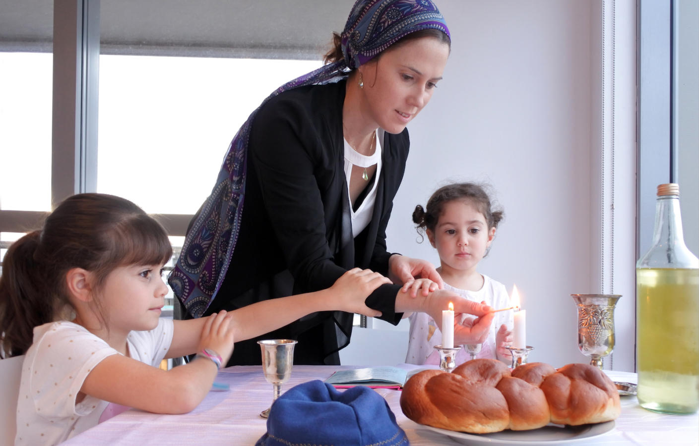 How to Make Shabbat Meaningful at Home
